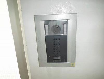玄関のカメラアイホン